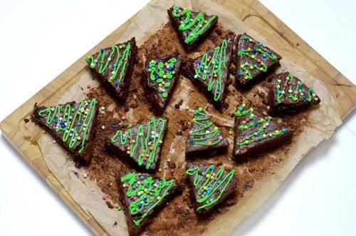 glutenfreie Brownies als Weihnachtsbäume