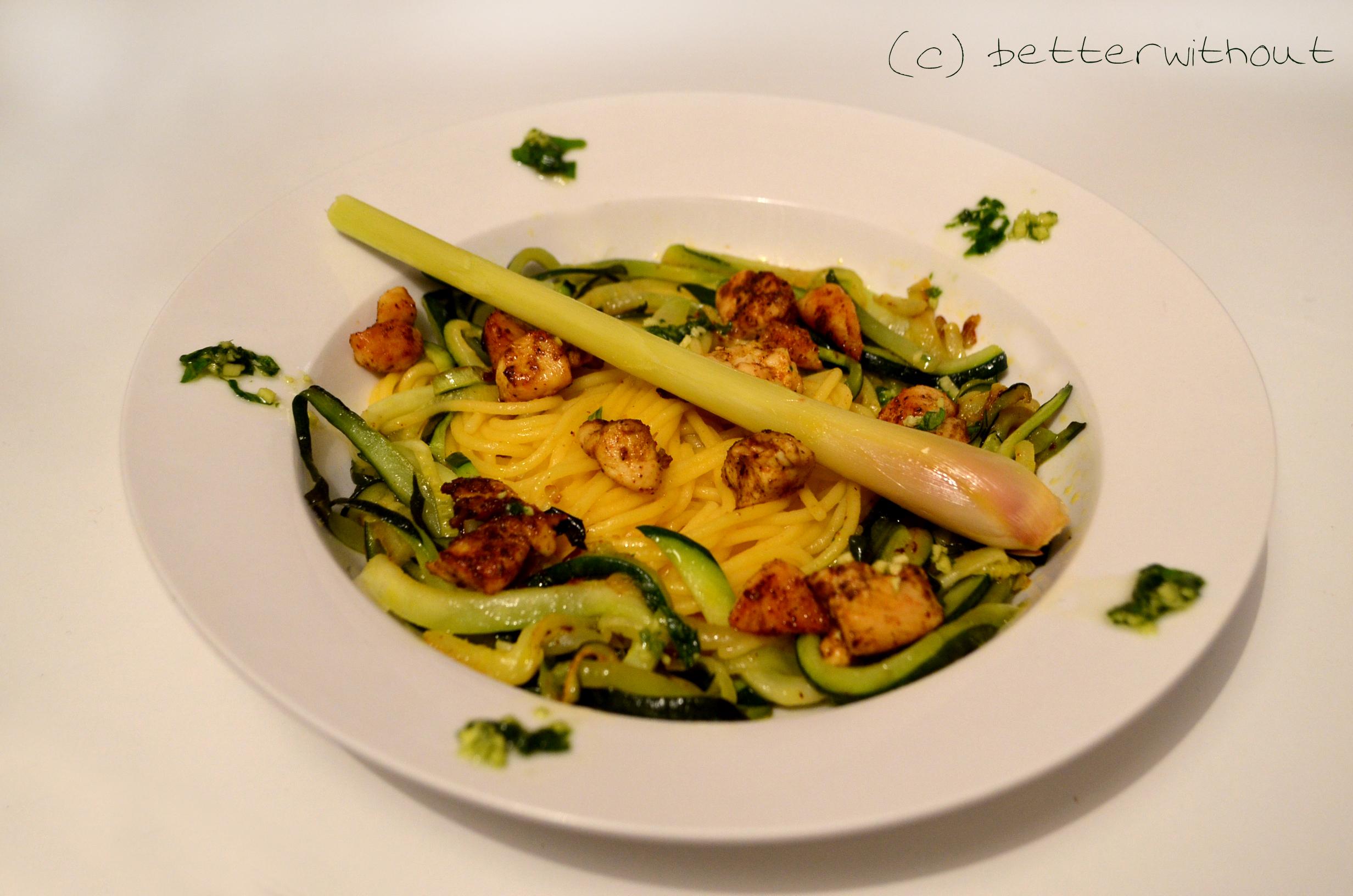 Frische Pasta mit Zucchini und Basilikum- Ingwer Pesto