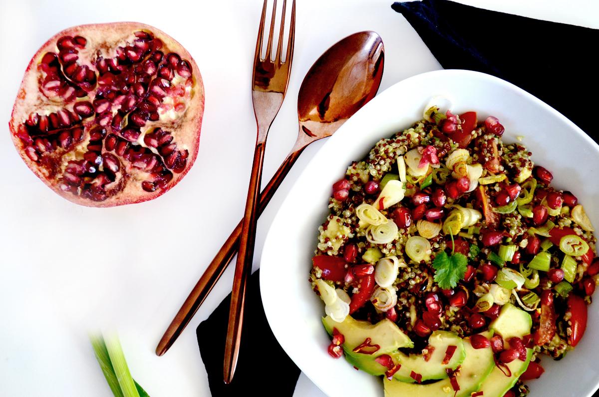 Sommerlicher Quinoasalat mit Granatapfel